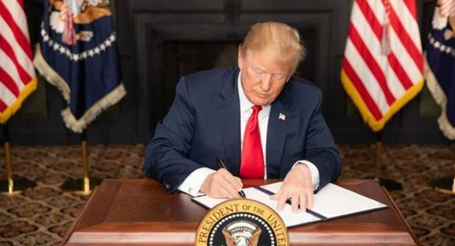 ترامب يفرض عقوبات على المرشد الإيراني خامنئي