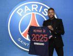 نيمار يجدد عقده مع باريس حتى 2025